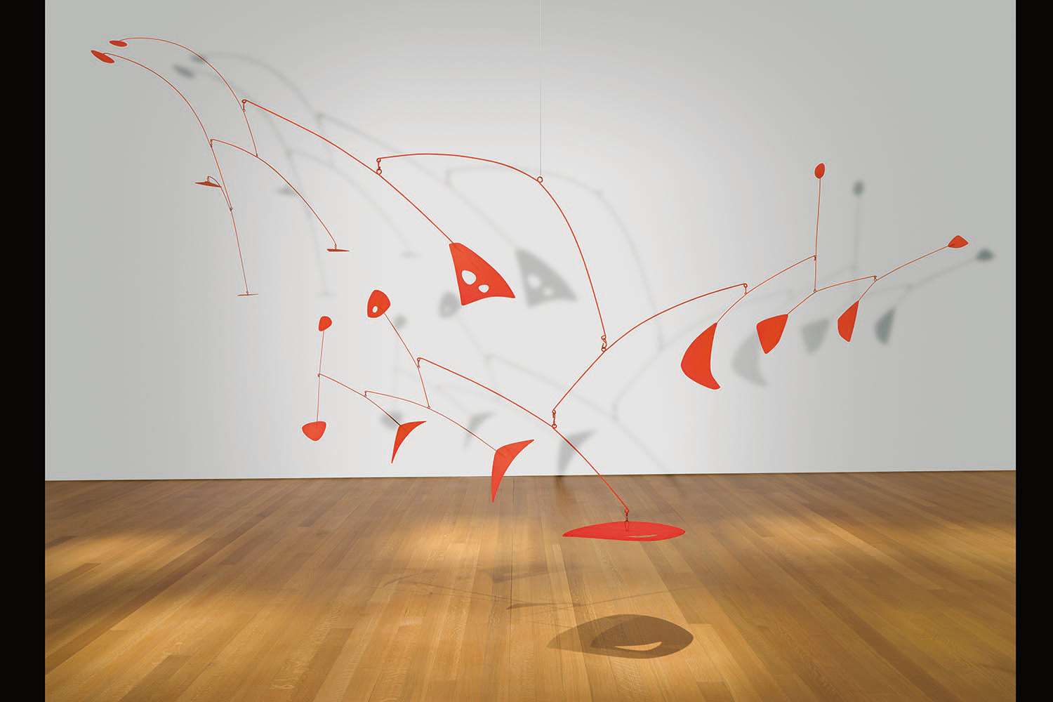Alexander Calder - Le Rouge de Saché, 1954, hanging mobile - painted sheet metal and wire