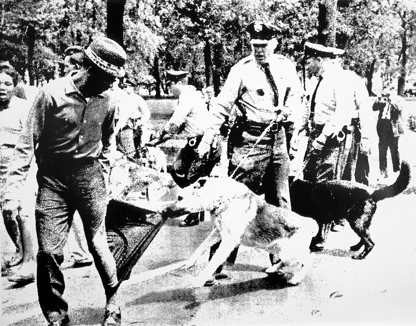 riot of all races White-on-black race riots include the atlanta riots (1906), the omaha and chicago riots (1919), part of a series of riots in the volatile post-world war i environment, and the tulsa riots (1921.