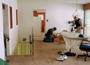 Jeff Wall - Search of premises, 2009, color photograph